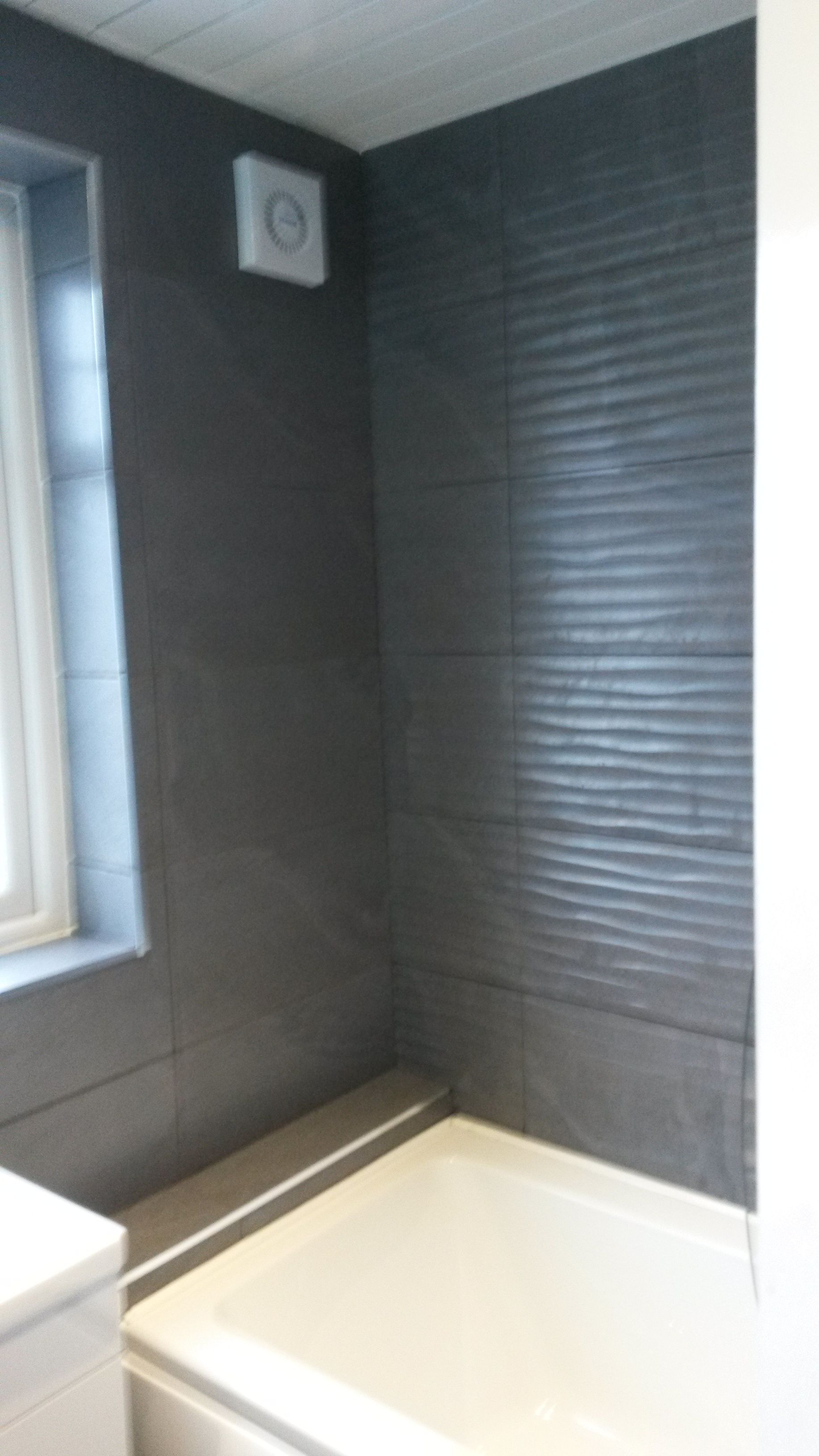 Love the vitra british stone antrasit matt wave 600x300x9mm wall love the vitra british stone antrasit matt wave 600x300x9mm wall tile with the light ceiling dailygadgetfo Image collections