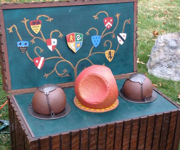 Quidditch Trunk With Moving Bludgers