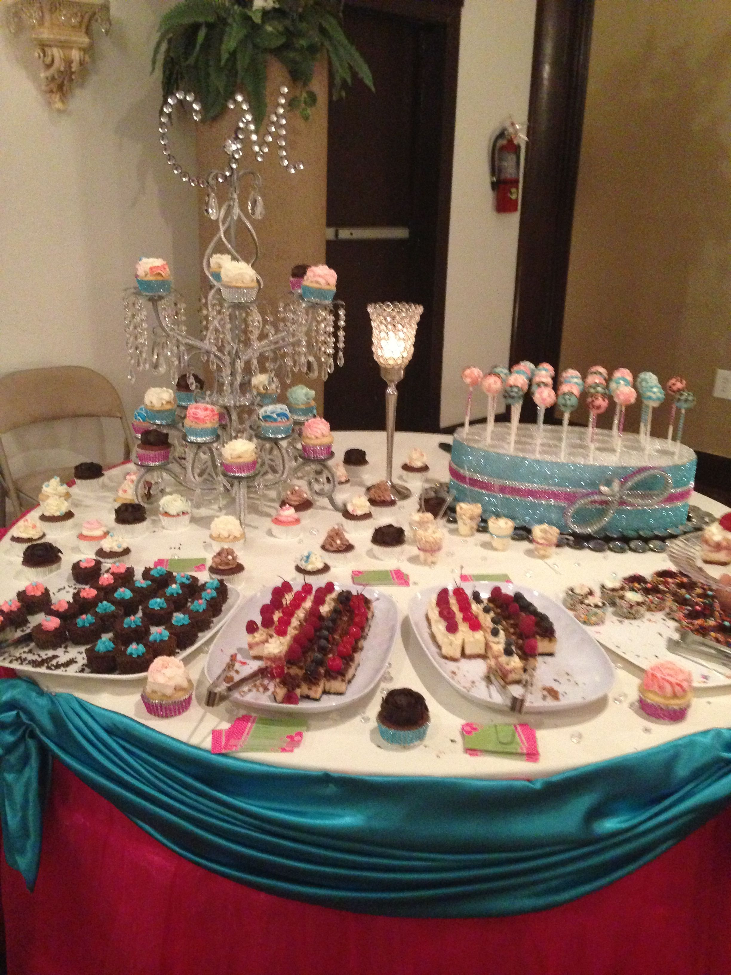 Sweet table designed by Sripen Mendez