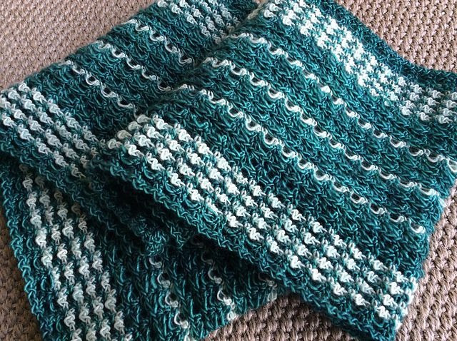 Ravelry: Project Gallery for Hannah pattern by Julie Blagojevich $3.00