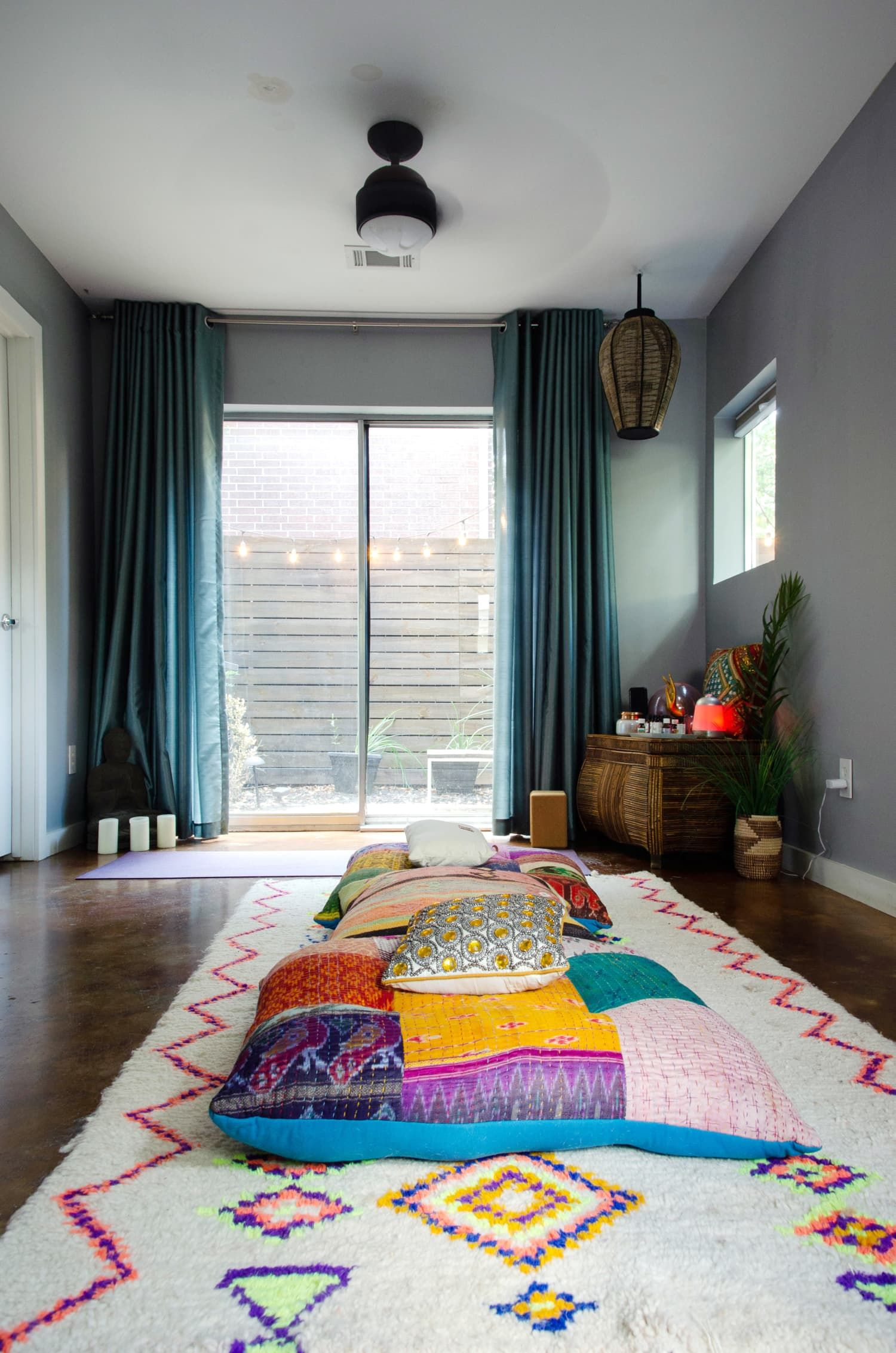 Here S Why You Need A Zen Den And How To Make One In A Small Space Small Spaces Trending Decor Houston Houses