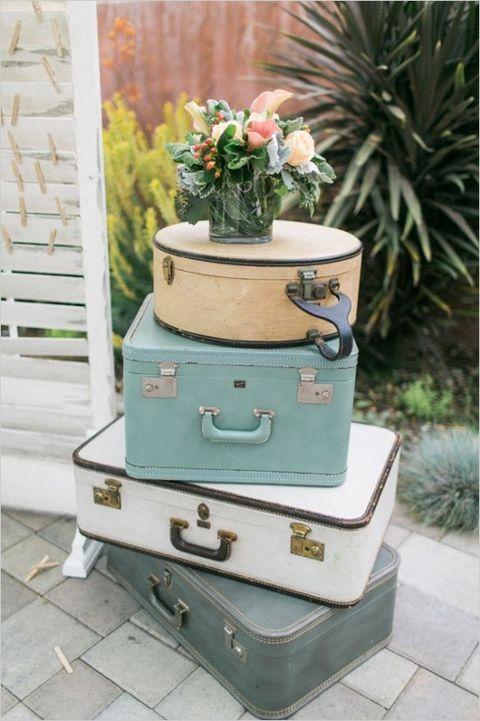 40 Ways To Use Vintage Suitcases In Your Wedding Decor   HappyWedd.com