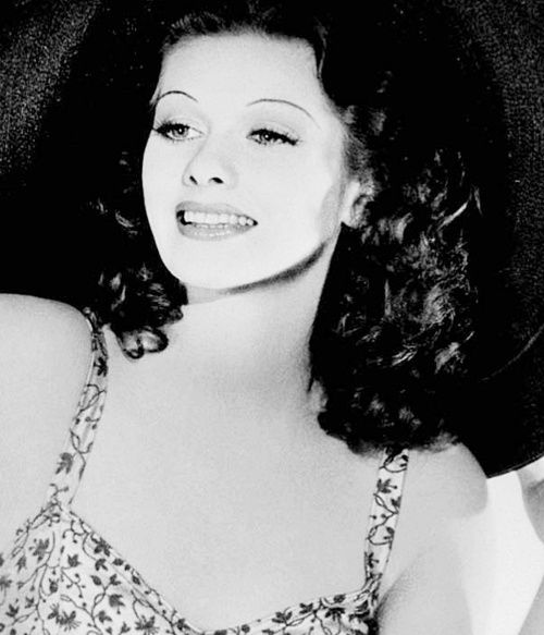 Lucille Ball With Her Natural Brown Hair Color Lucille Ball Lucy Love Lucy