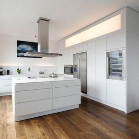 Modern Kitchen by Plan W GmbH Werkstatt für Räume