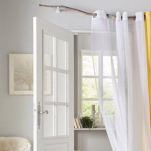 Barre à rideau en bois flotté et voilage blanc. #ideedeco #rideau ...