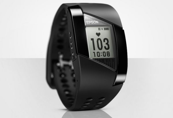 Epson lance une montre et un bracelet de monitoring d'activités -