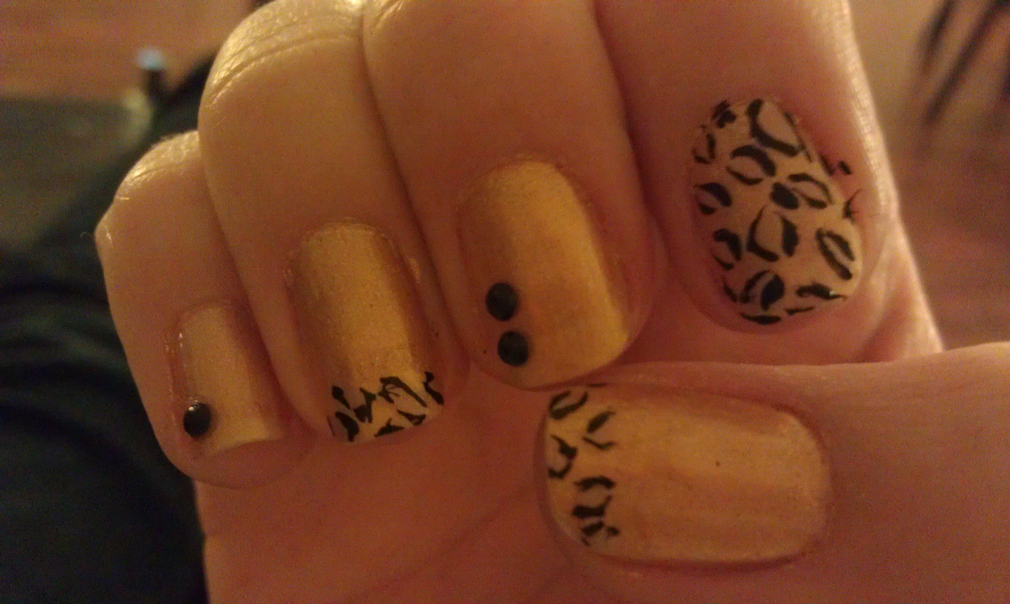 Blue & leopard nails   Leopard nails, Cheetah nails