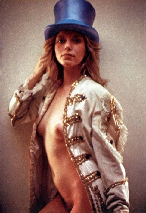 Nackt Bebe Buell  Joan Collins