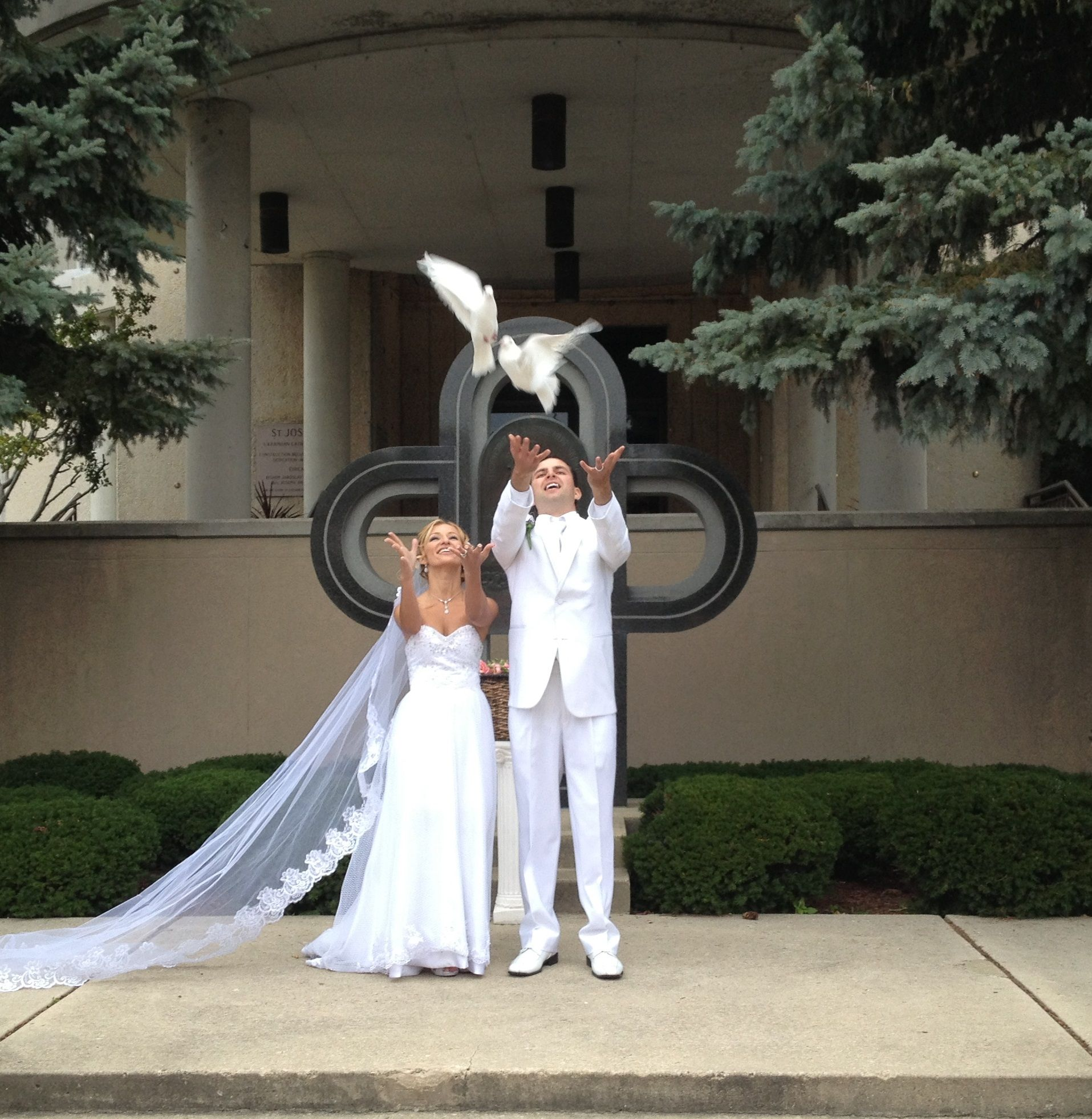 Add A Unique And Memorable Touch To Your Wedding With White Dove Release Contact Michaleen