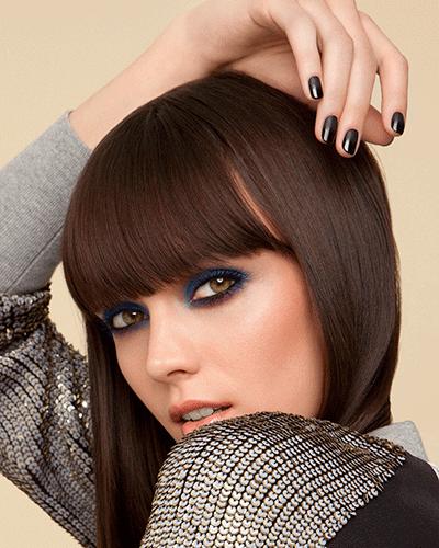 Navy smokey eyeshadow look. Dark nails. #makeup #beauty #fallbeauty #nails Available at b-glowing.com.