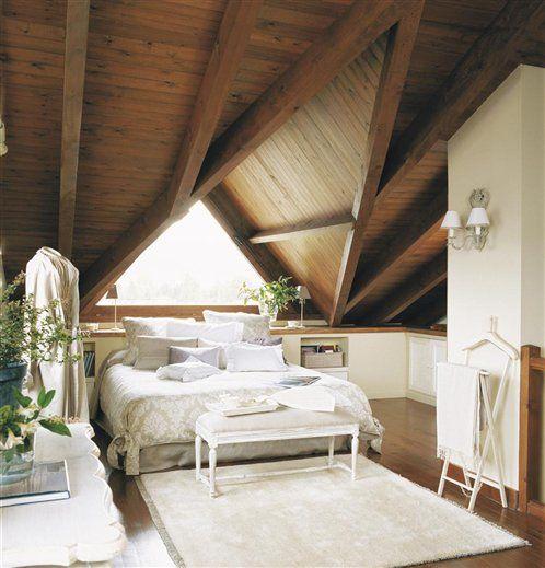 Dormitorio principal abuhardillado dos hornacinas a modo for Dormitorios matrimoniales rusticos