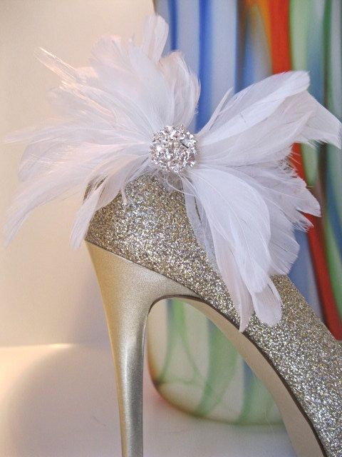 Feather Shoe Clip Bridal Bridesmaids Shoes White Feather by ctroum, $32.00