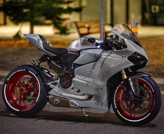 Nardo grey with Candy Red 1199    | Motorcycles | Motor, Autók