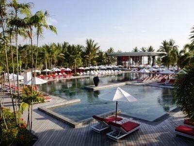 Schoolies Club Med Bali Poolside Club Med Bali Schoolies
