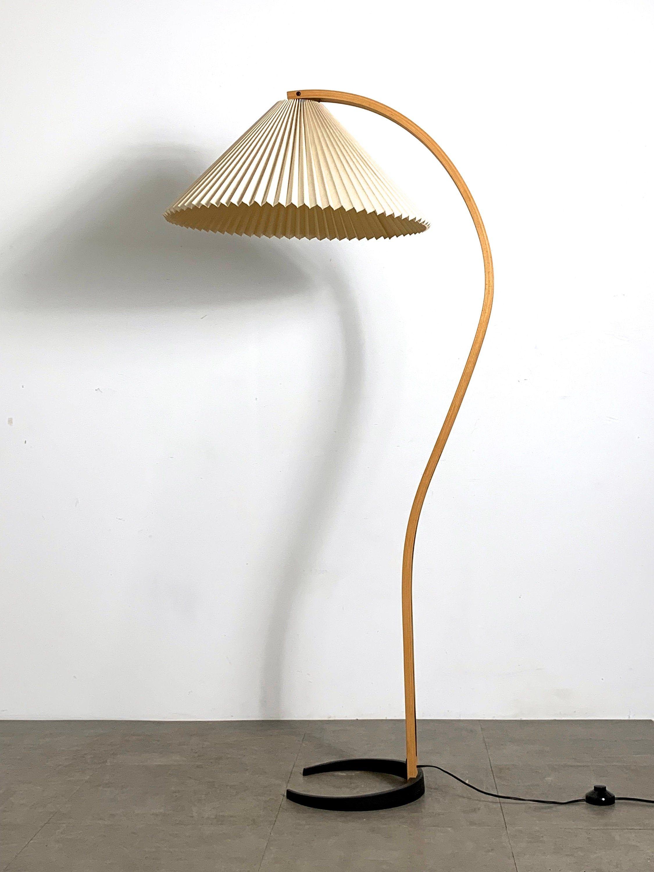 On Hold Mid Century Danish Modern Mads Caprani Teak Arc Floor Lamp 1970 S In 2020 Arc Floor Lamps Floor Lamp Lamp