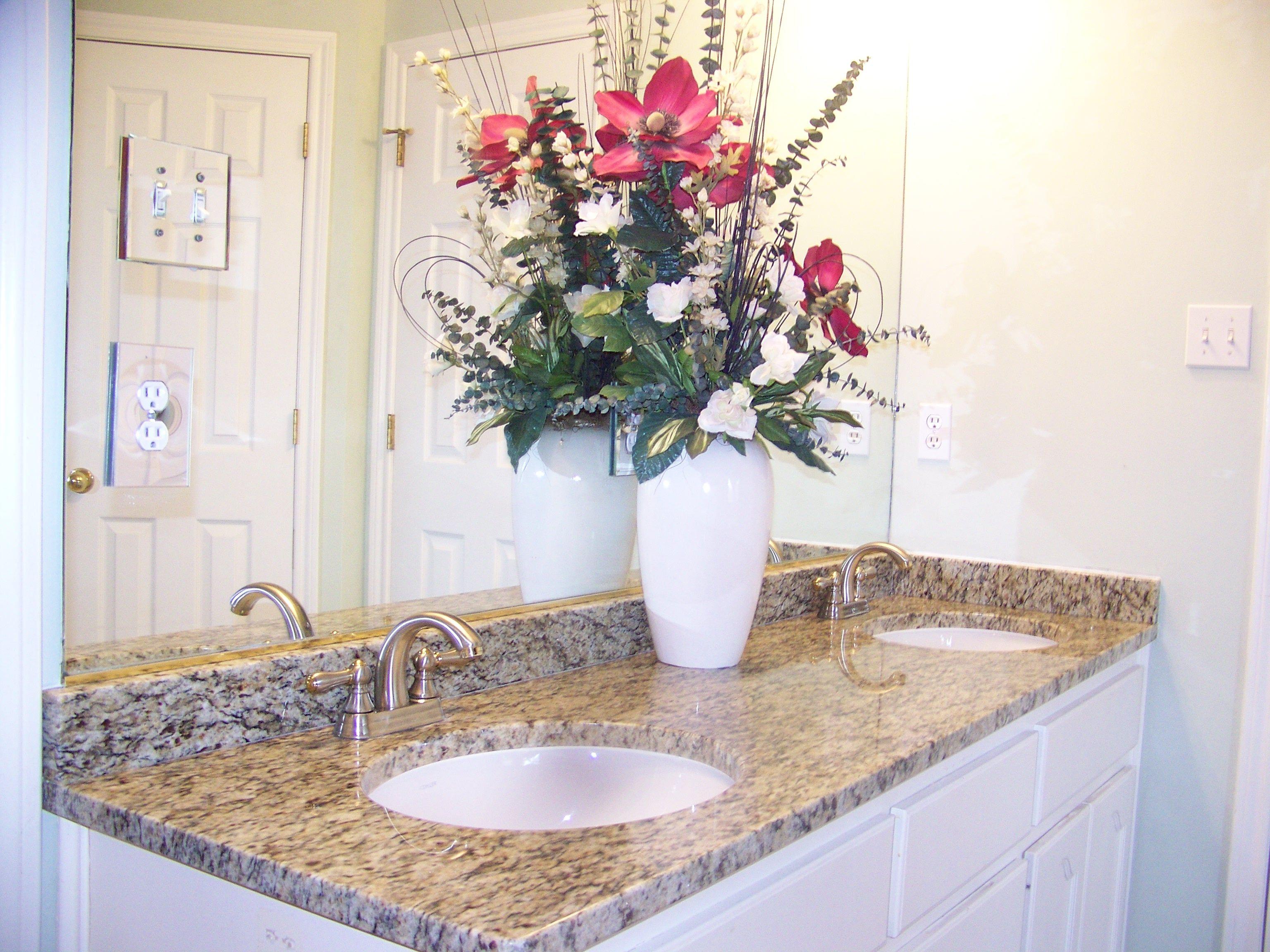 Newstar Supply Santa Cecilia Granite Countertops Granite Vanity Granite  Countertop China Factory Excellent Quality Natural Granite