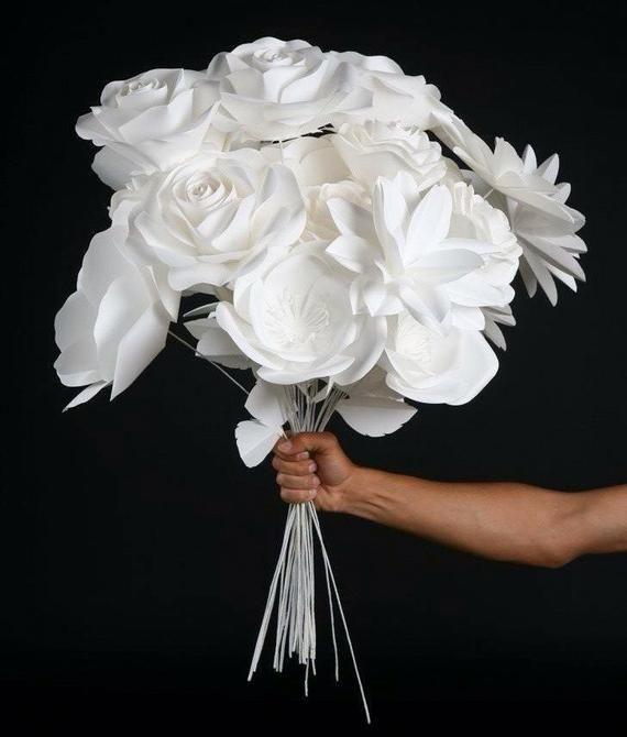 Paper Flower Bouquet - Wedding Reception Decor - Wedding Decoration - Paper Flower Centerpiece - Table Decor - Home Decor #paperflowercenterpieces