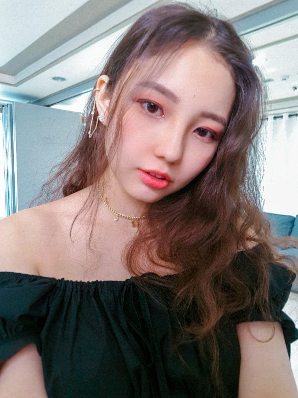 Sg Entertainment On Twitter In 2020 Kpop Idol Idol Twitter