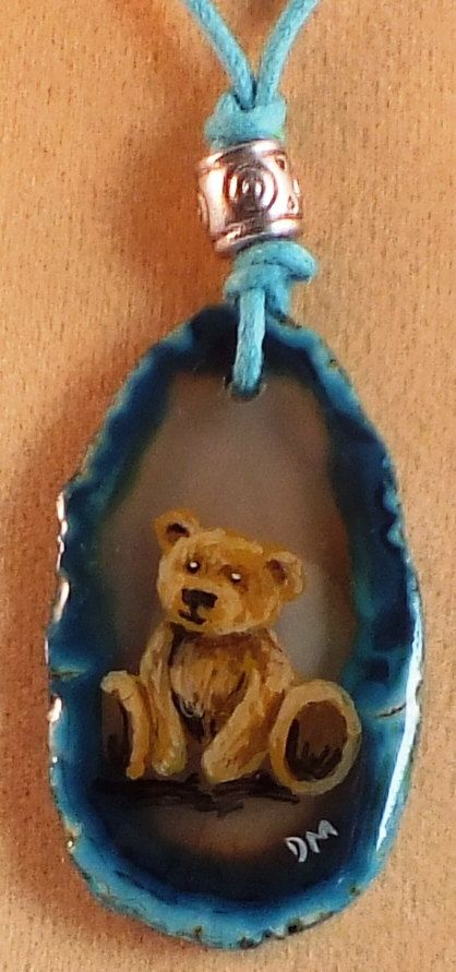 Teddy Bear Agate Pendant van PaintedLizards op Etsy.