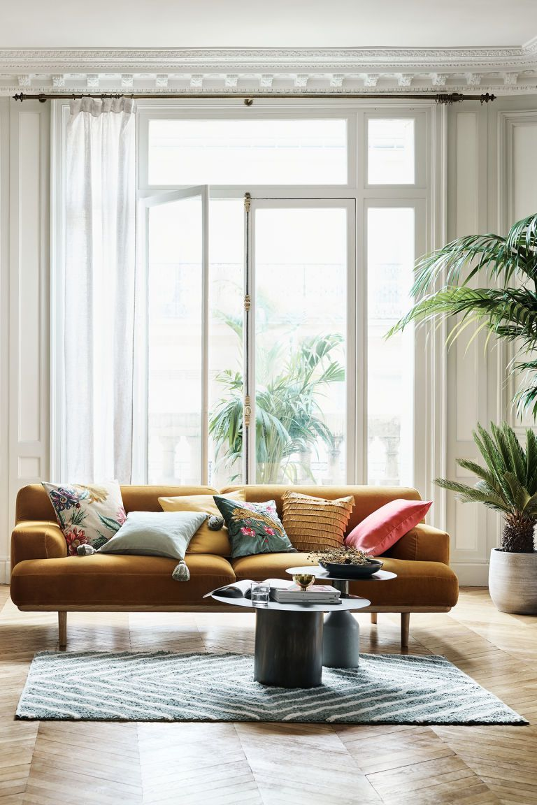 Interio Sofa Samt 12 Sites That Ll Let You Score Amazing Home Decor On The Cheap
