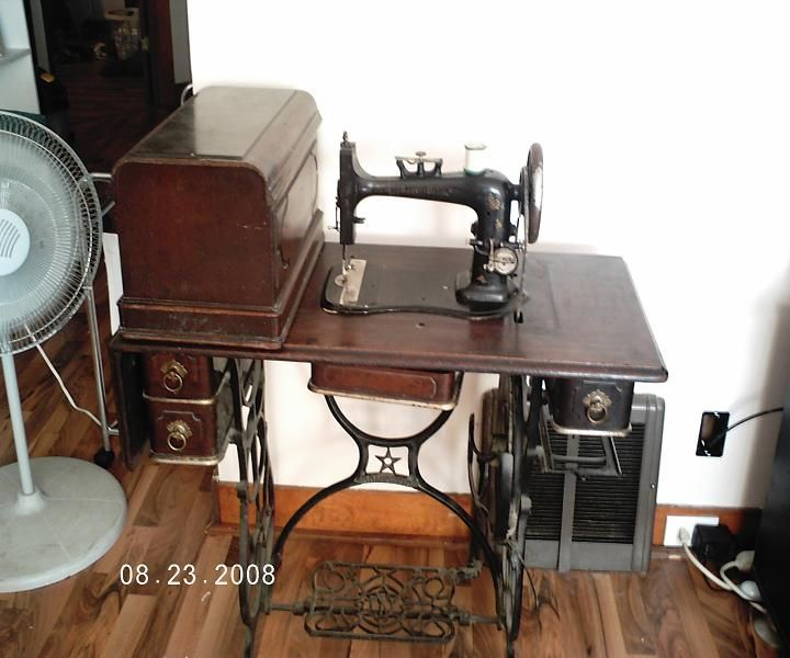 Antique Domestic Sewing Machine Value I Really Like This Sewing Enchanting Antique Domestic Sewing Machine