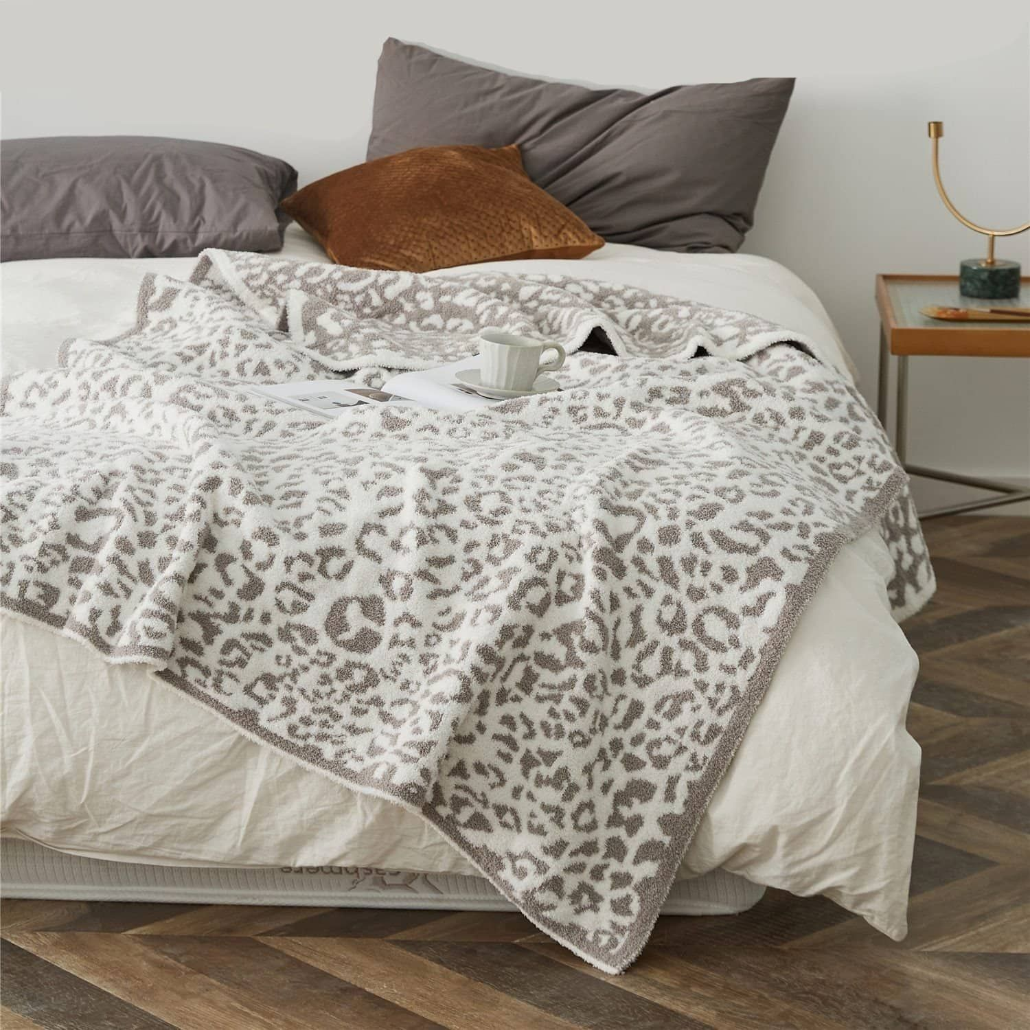 Faux Fur Microfiber Knitted Leopard Print Throw Blanket - Light gray-white