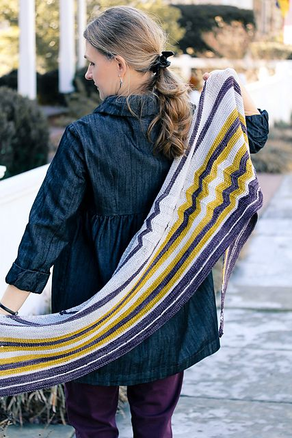 Ravelry: ChevRiot pattern by Jennifer Dassau