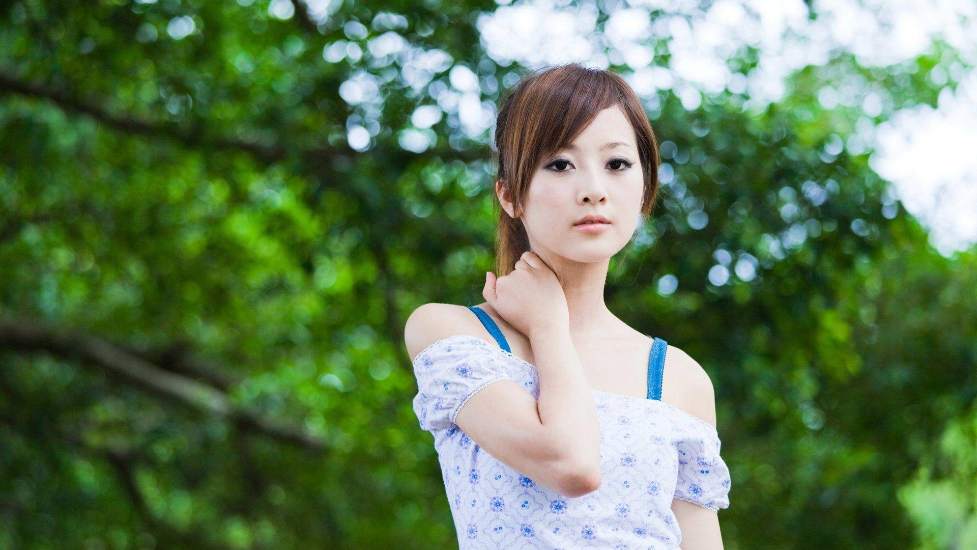 фото японка девчонки автобусе