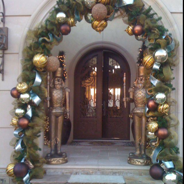 Christmas door way deco