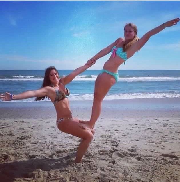 2person Stunts Yoga Challenge Poses Cute Beach Pictures Friend Poses