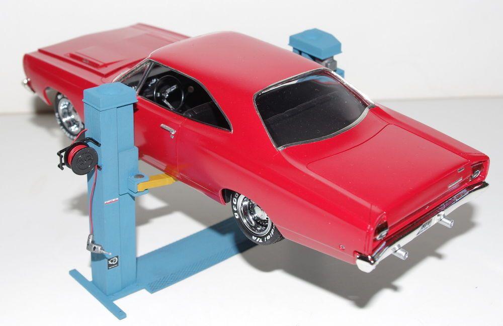 1 24 1 25 Garage Diorama Accessories 19 2 Post Adjustable Car