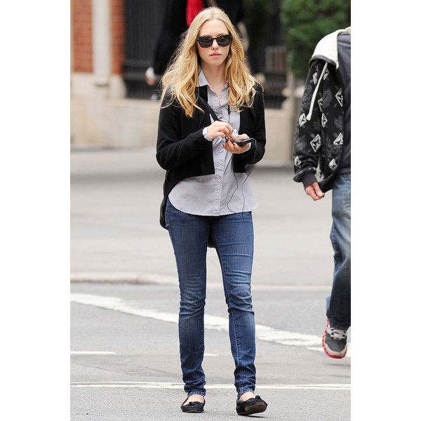 Amanda Seyfried on the street in New York ❤ liked on Polyvore featuring amanda seyfried