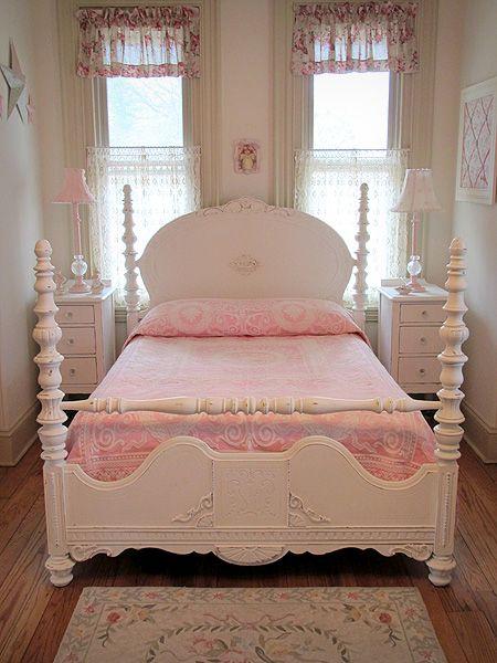 Ornate White Antique Full Size Poster Bed Interieur En Slaapkamer