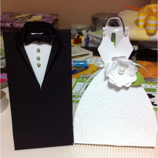bride and groom gift boxes love it victorian weddings