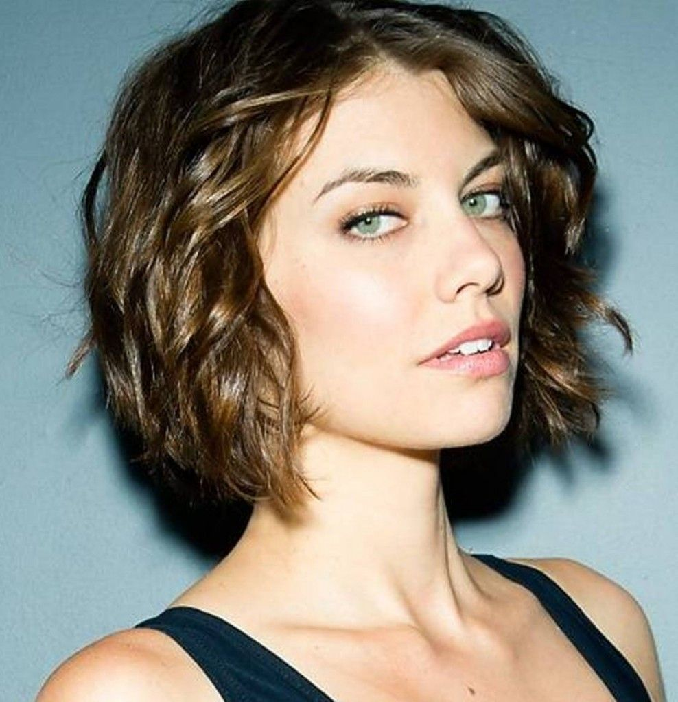 This Is Perfect Flattering Length But A Ponytail Still Possible Short Wavy Hairstyles For Women Short Wavy Hair Medium Hair Styles