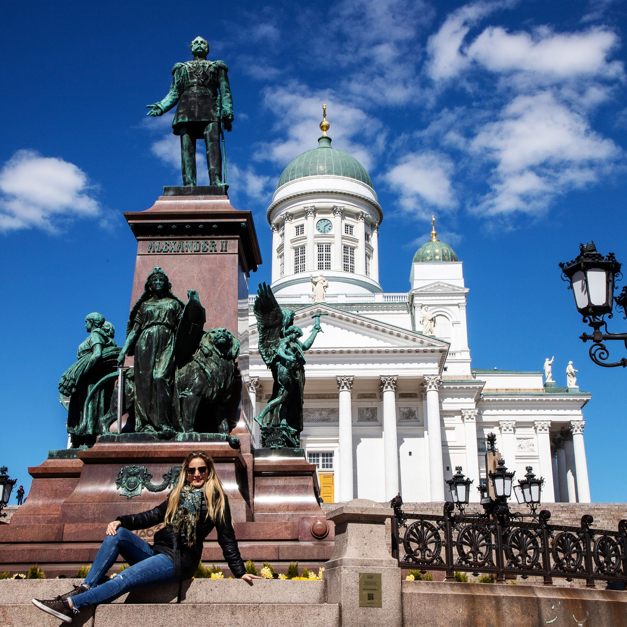 🇫🇮Uno de mis lugares favoritos en Helsinki, la Plaza del Senado ...