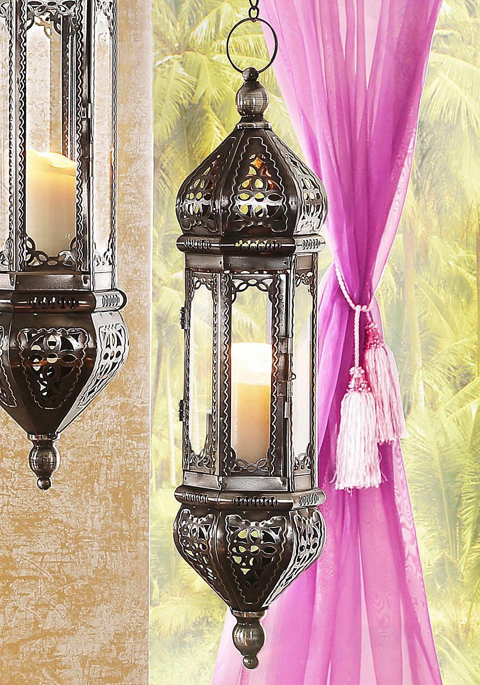 Maße:  Maße (B/T/H):,  groß:14/14/65 cm klein: 10/10/50 cm  Artikeldetails:  Laternen in marrkokanischem Stil., Mit detailreichen Ornamenten verziert., Alle Maße sind Ca.-Maße,  Material/Qualität:  Metall/Glas,  ...