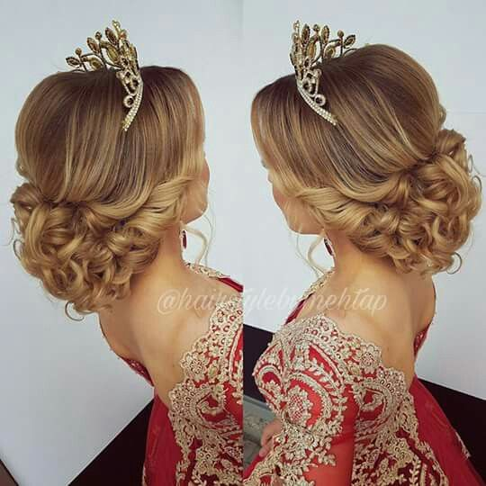 Pin By Amane Khawaja On Hairstyle Haircut And Make Up Quince Hairstyles Hair Styles Pageant Hair