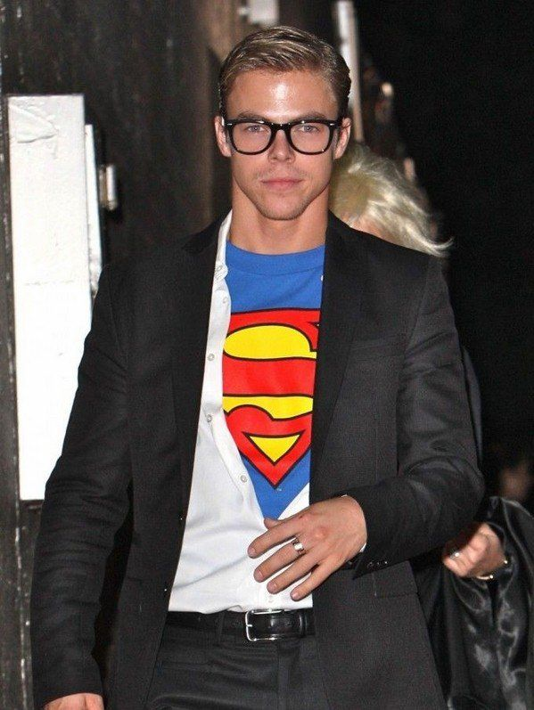 Mens halloween costumes idea diy superman clark kent halloween mens halloween costumes idea diy superman clark kent solutioingenieria Gallery