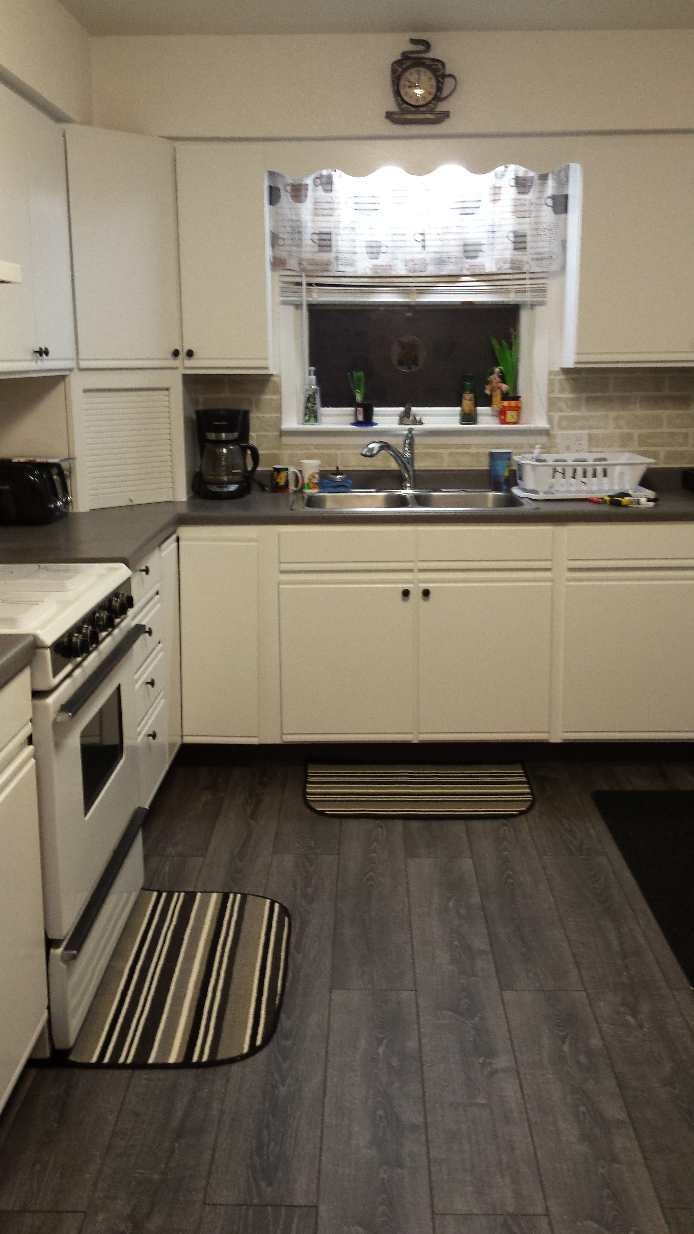Kronoswiss Silverado Grey Oak Photo Compliments Ron S - Laminate flooring in the kitchen