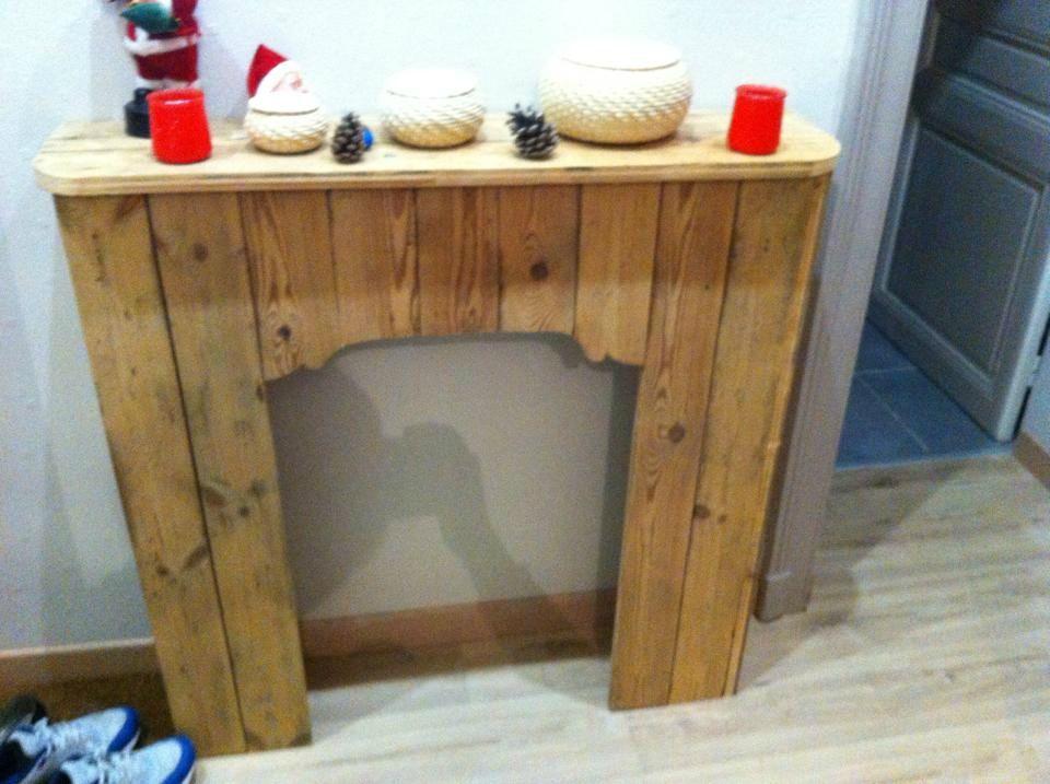 Cheminee En Bois Decorative #6: Cheminée Décorative Fabriquée Par Stéphanie