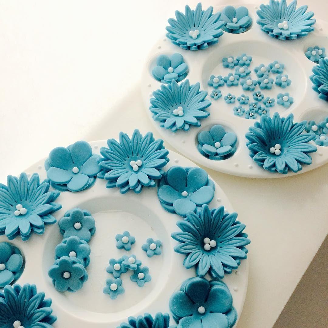 #kakepynt#sukkerpasta#flowers#bakeglede#fondantblomster#blomster#happybaking#bakingforfun#fondant