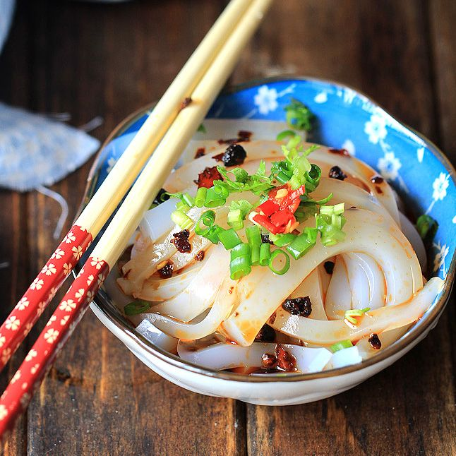 Liangfen chinese jelly noodles recipe noodle noodle noodle liangfen chinese jelly noodles noodles made with pea starch sweet potato starch forumfinder Image collections