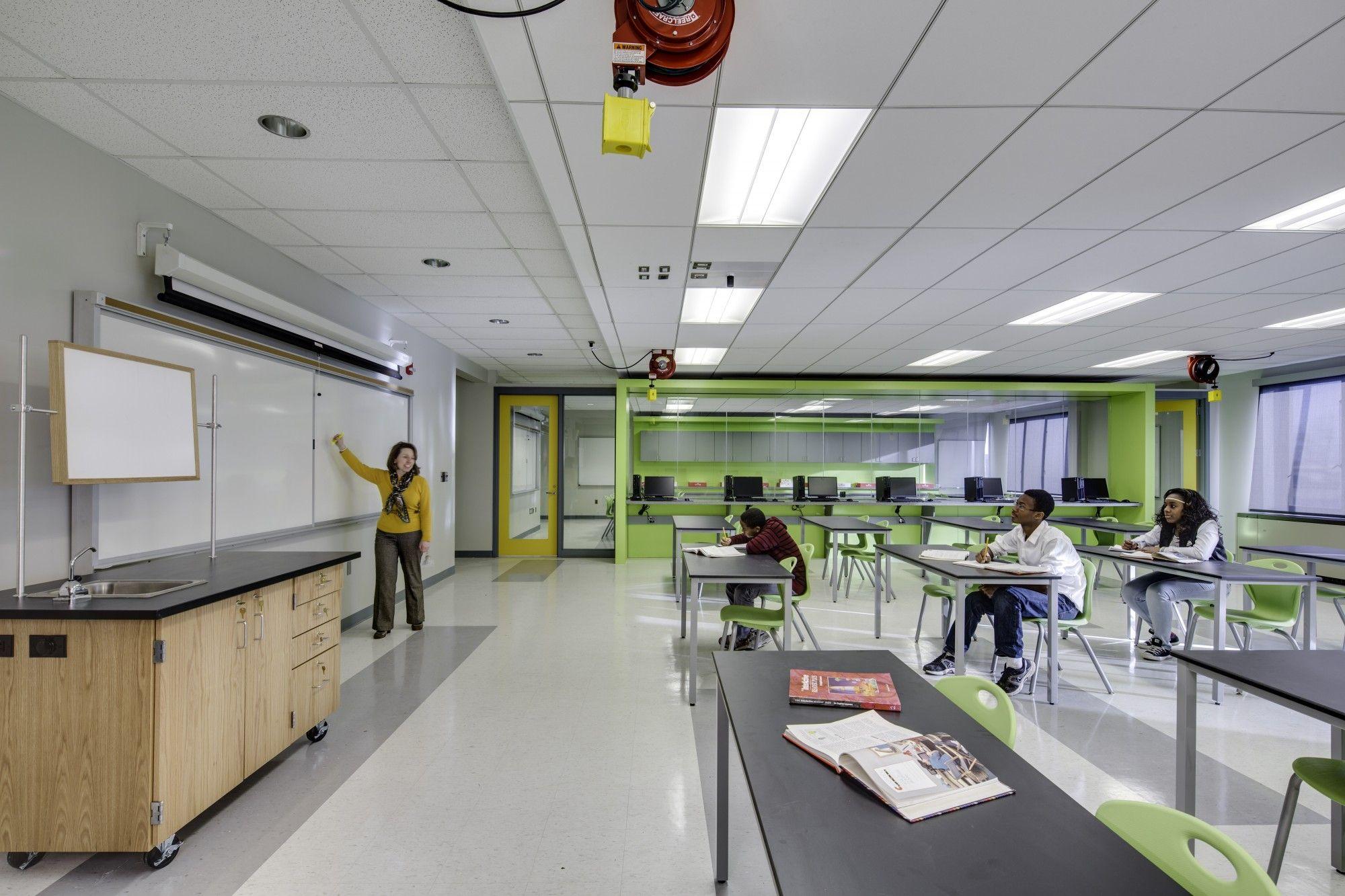 Elementary Middle School Level Robotics Lab Crec Academy Of