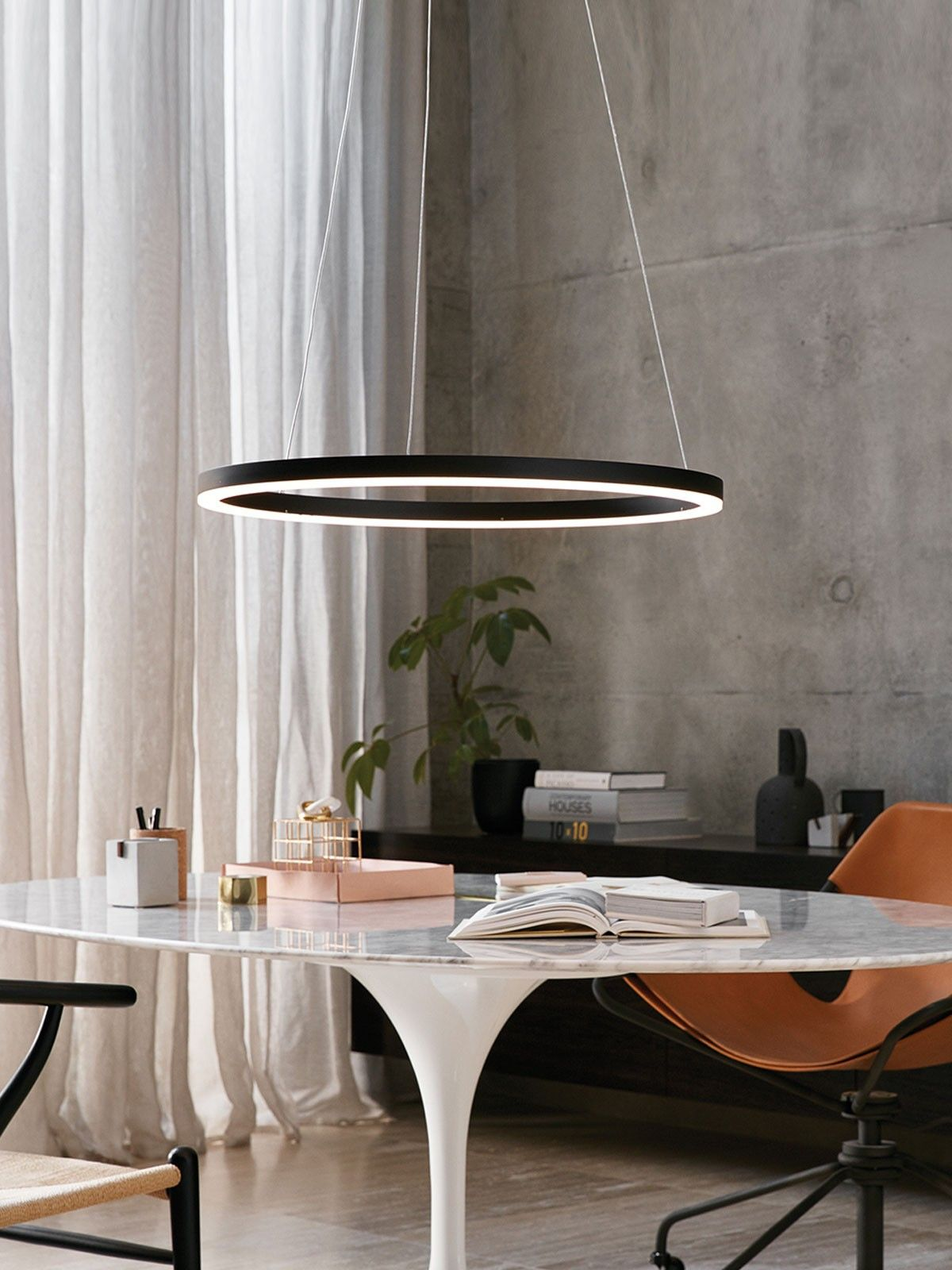 Ledlux circa ring 1600 lumen dimmable pendant in black abode luminaire lumiere salle manger for Lumiere salle a manger