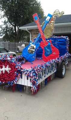 Guitar red white and blue homecoming decorations themes parade patriotic also best images on pinterest floats rh