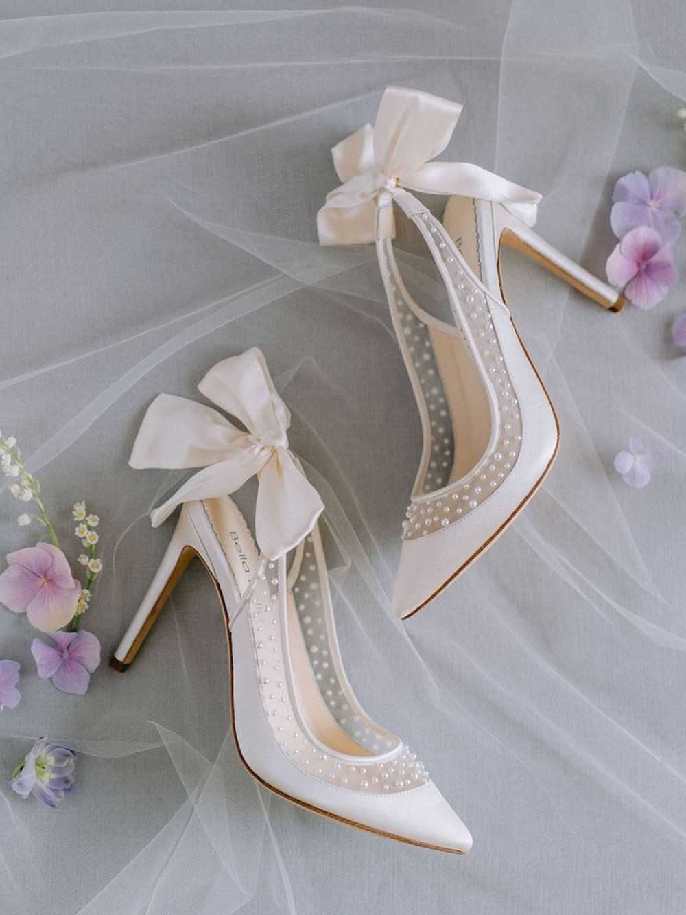 Bling Wedding Shoes Ivory Bridal Shoes With Rhinestones Etsy In 2021 Wedding Shoes Lace Ivory Wedding Shoes Bling Wedding Shoes