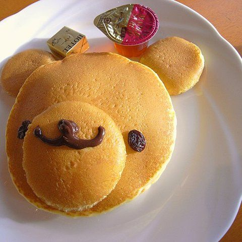 I found this on ffffound.com and thought is was so adorable. I wish I knew who made it as it is the cutest. I am going to have to serve pancakes this way.
