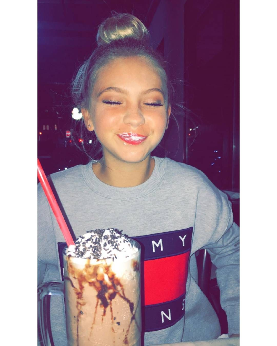 Fun Pic Of The Day Last Night In Newyorkcity Comment Your Snapchat Name More Jordynjones Sc Jordynjones Nyc