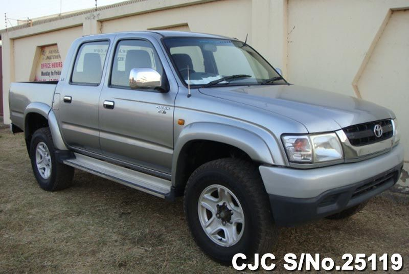 Used Toyota Hilux 2002 In Silver Colour For Sale In Harare Used